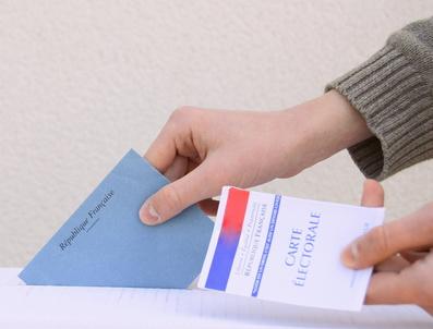 voter,bulletin,main,et carte lectorale